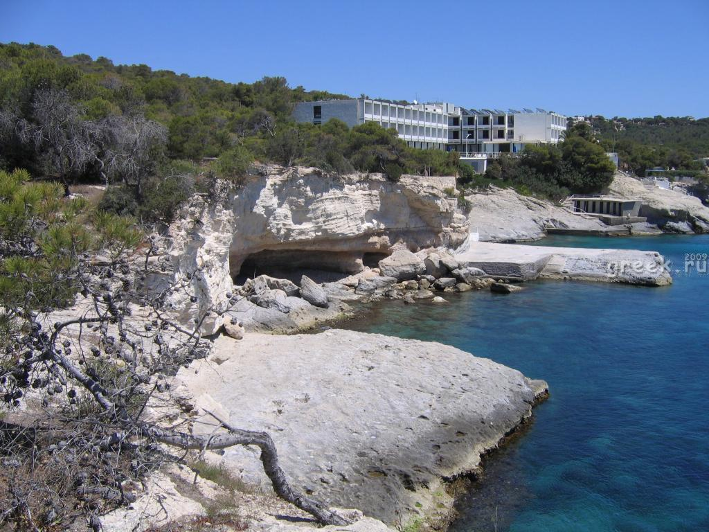 Эгина. Agia Marina слева.