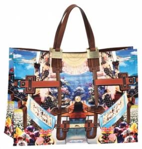 Выбор женской сумки: размер