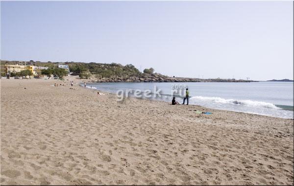 Песчаный пляж в Палеохоре